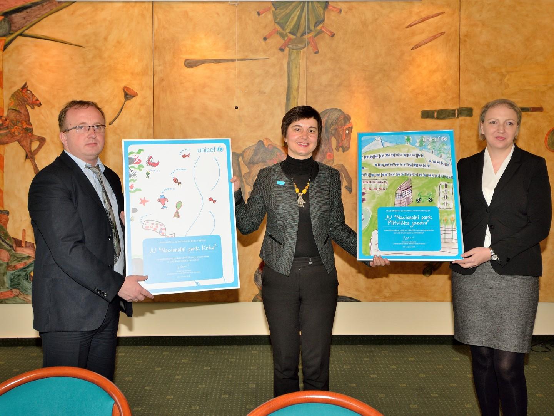 Photo of Parkovi PLITVIČKA JEZERA I KRKA priključili se obitelji UNICEF-ovih Čuvara djetinjstva