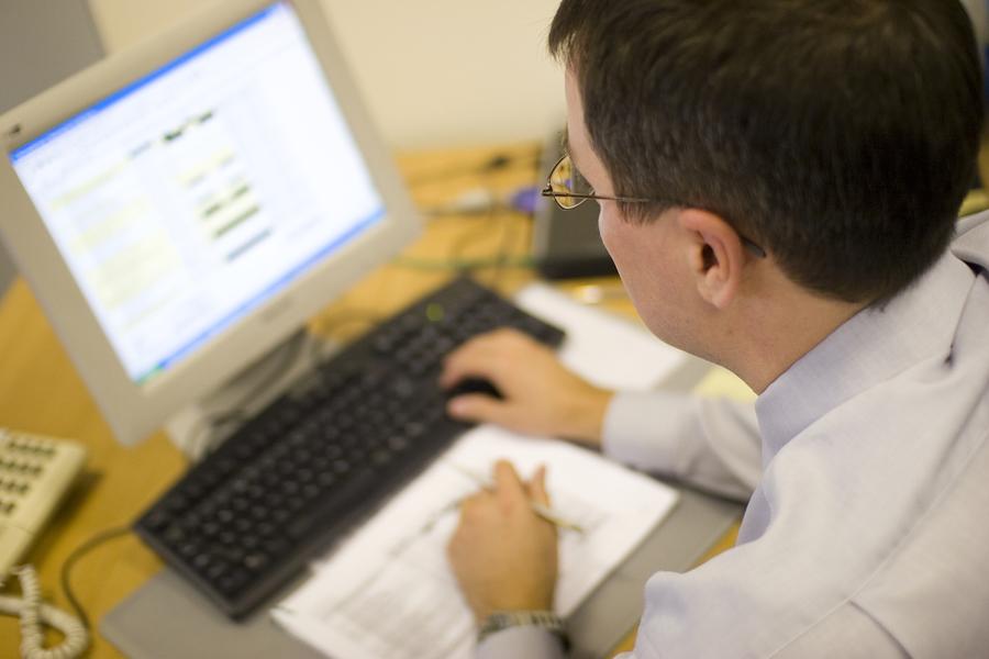 Photo of Ako radite pred računalom 8 sati dnevno – ovako sačuvajte vid