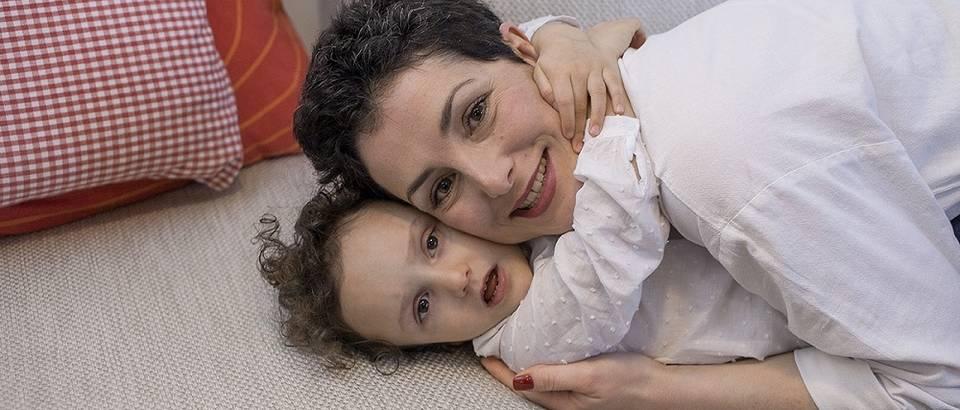 Photo of Fotografijom zagrljaja podržite osobe s rijetkim bolestima