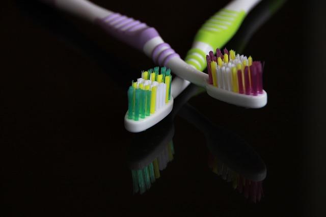 Photo of Zašto nije dobro koristiti tuđu četkicu za zube?