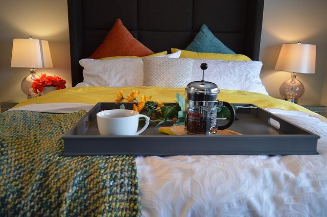 Photo of Zašto nije dobro jesti u krevetu?