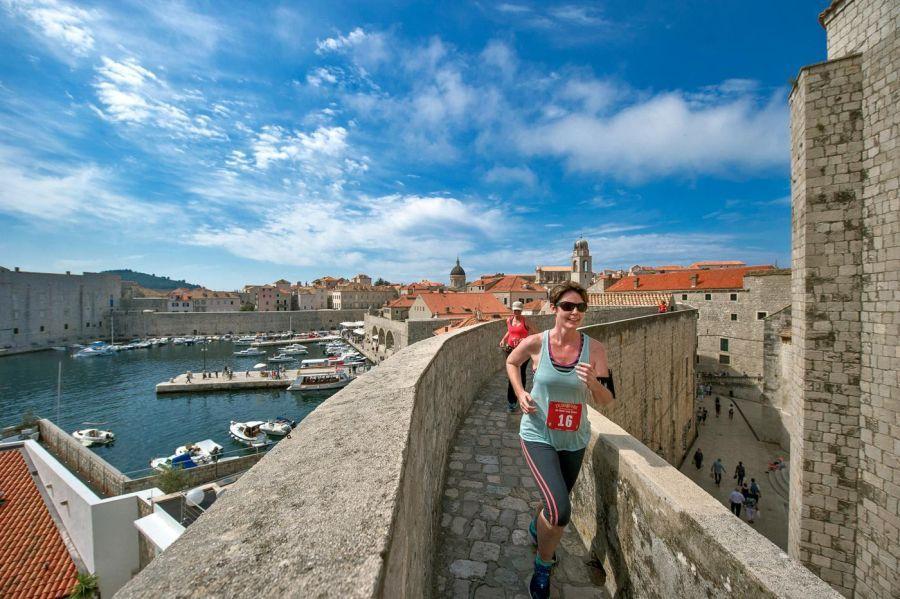 """Photo of MEĐUNARODNI POLUMARATON: Dubrovnik nudi """"Više od utrke""""!"""