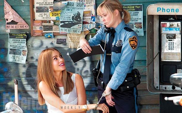 Photo of Recenzija filma HOT PURSUIT: Zašto uspješni glumci pristaju na korake unazad?