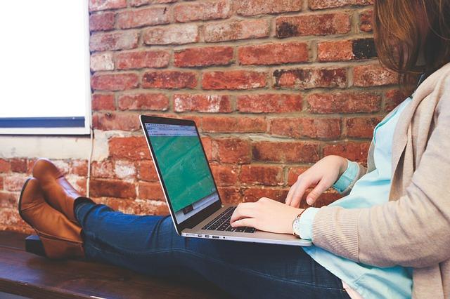 Photo of Studenti koji imaju laptope moraju plaćati RTV pristojbu?