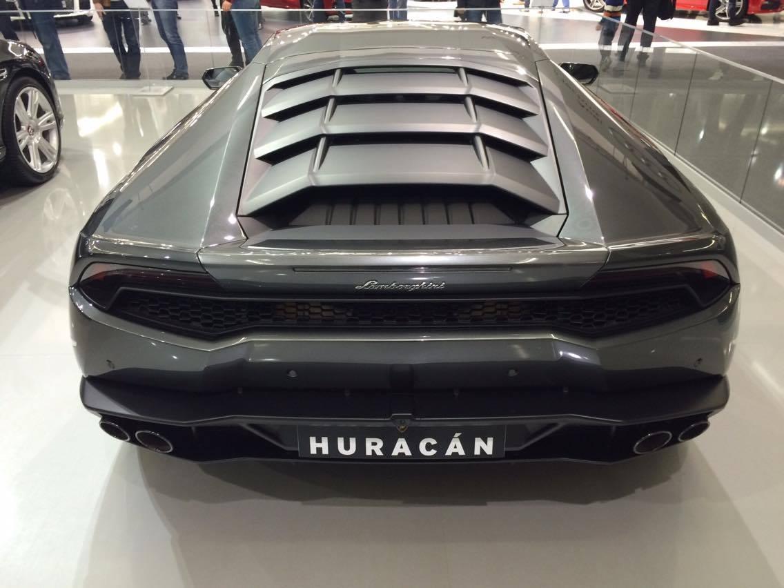 Photo of FOTO Luksuz na Auto Showu oduzima dah: Lamborgini, Bentley, Porsche…