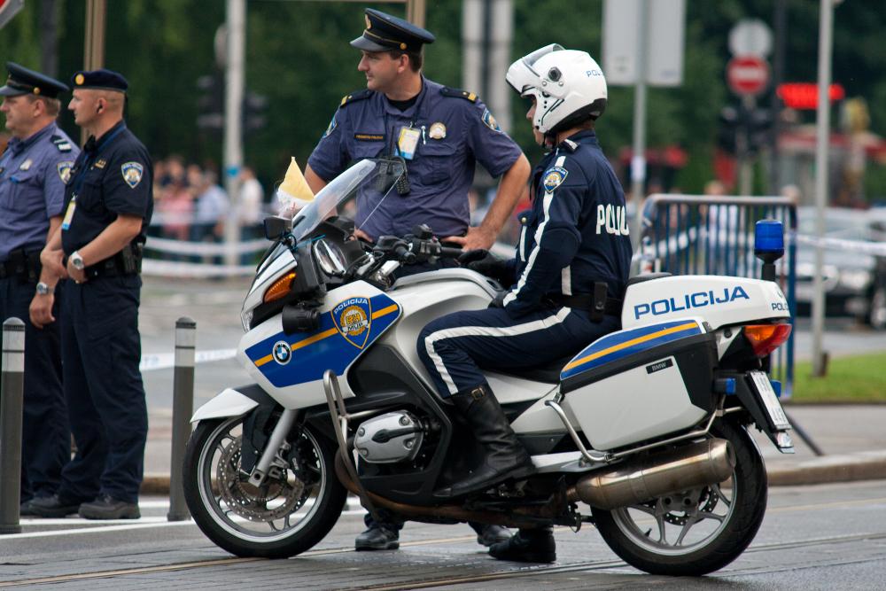 Photo of Policija u novim akcijama nakon povećanja broja stradalih