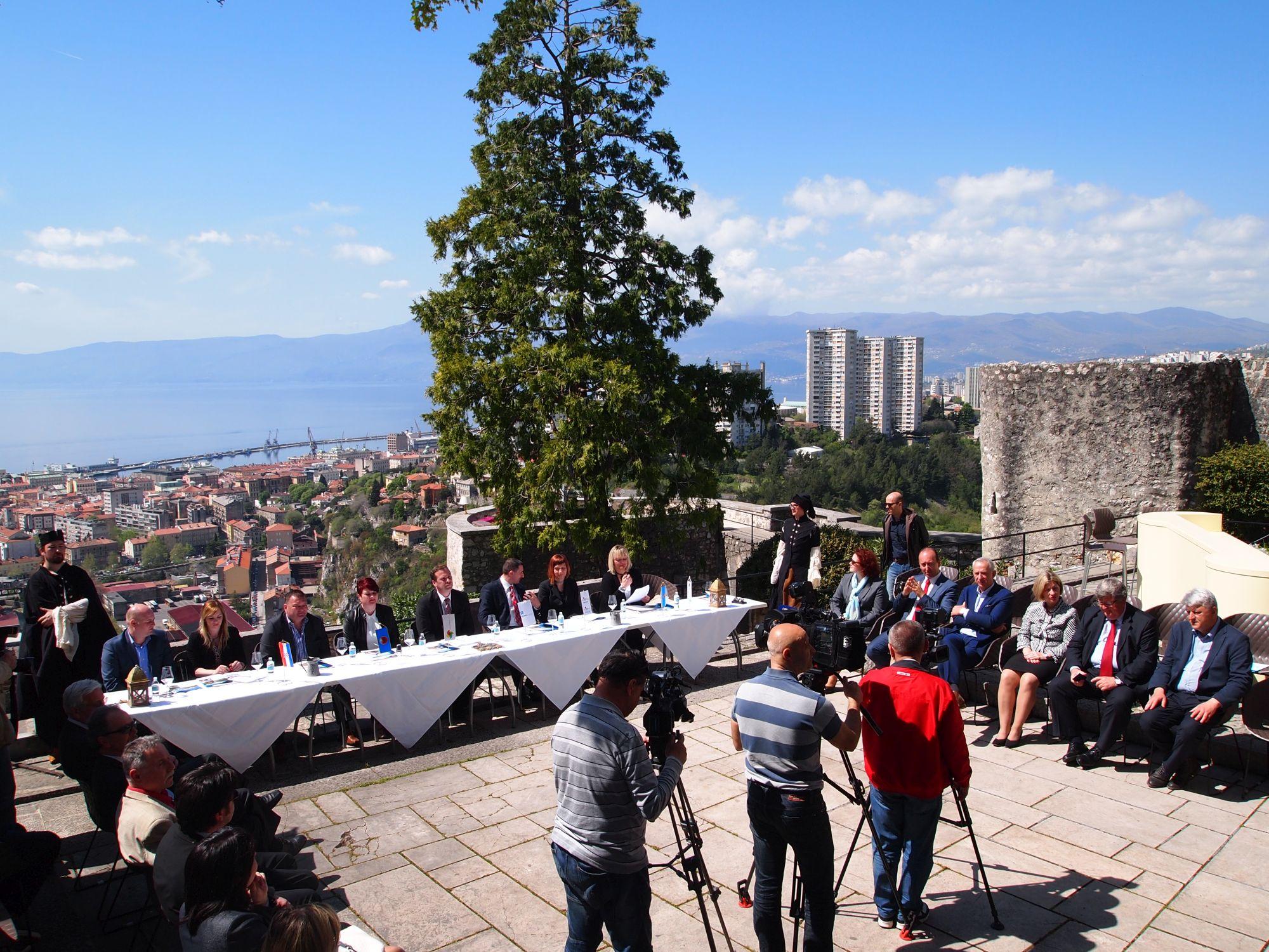 Photo of Potpisan Sporazum o suradnji turističkih zajednica Riječkog prstena