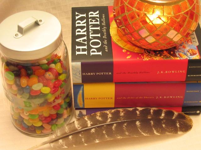 Photo of Britanska tajna služba zabrinuta zbog nove knjige o Harryu Potteru?