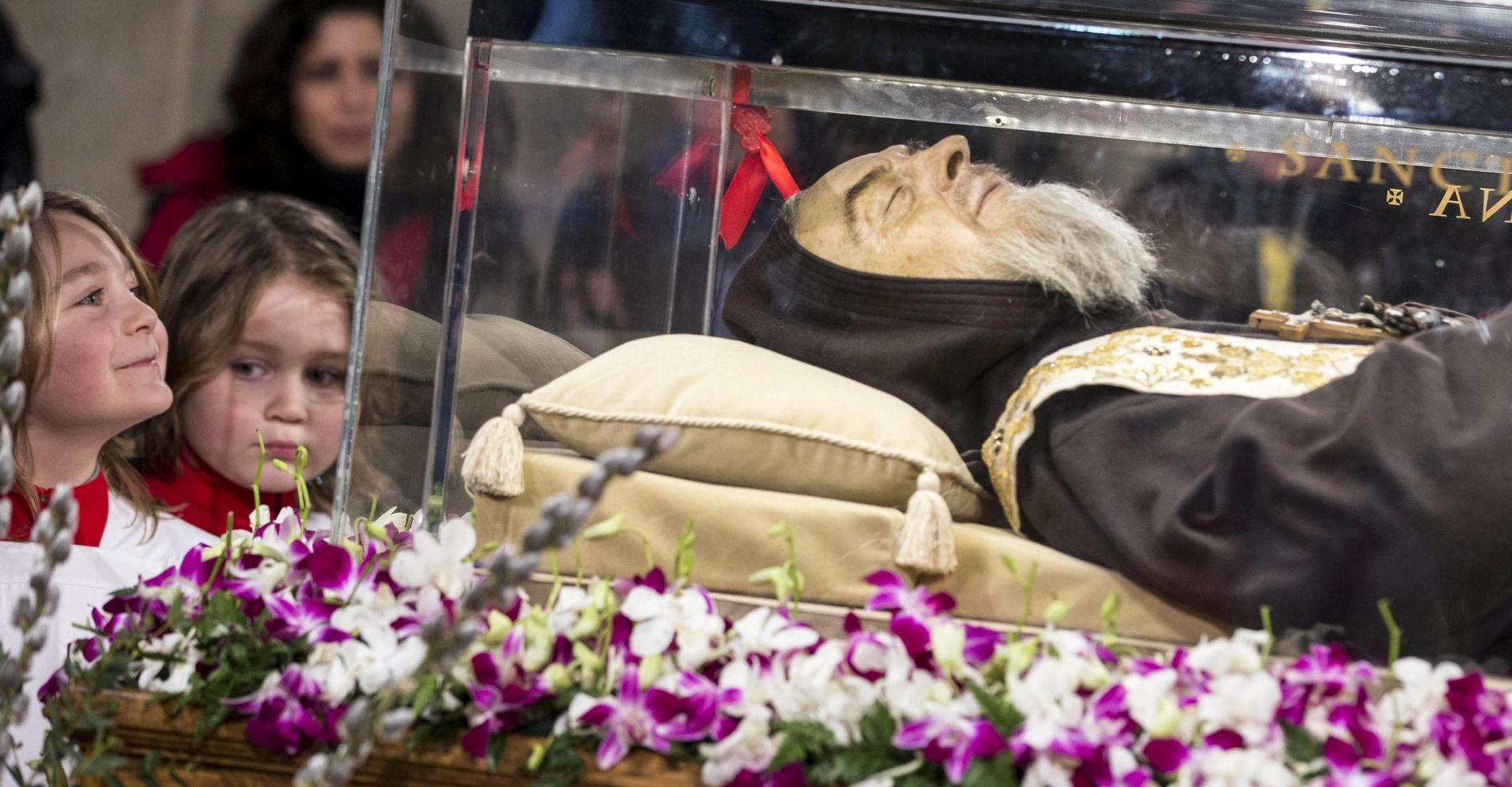 Photo of Sveti Leopold Bogdan Mandić dočekan u zagrebačkoj katedrali