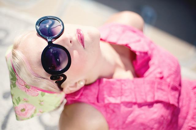 """Photo of Kako prepoznati """"prave"""" od loših sunčanih naočala?"""
