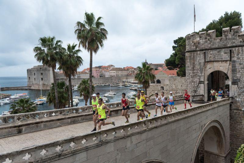 Photo of Danijel Fak i Nikolina Stepan pobjednici drugog izdanja Dubrovačkog polumaratona