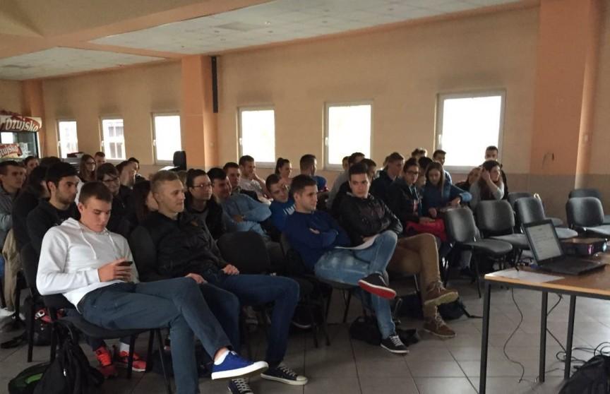 Photo of Studentski Zbor Gacke i ove godine održao predavanje maturantima