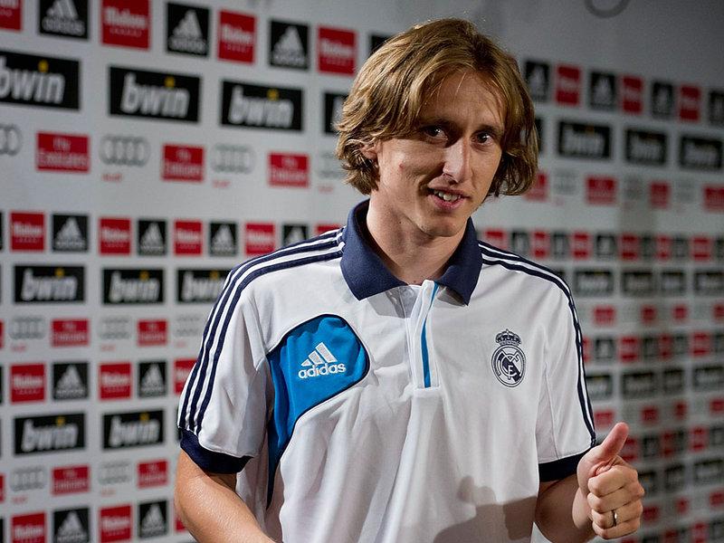 Photo of Hrvatski reprezentativac Luka Modrić proglašen je najbolji veznjakom španjolske nogometne lige