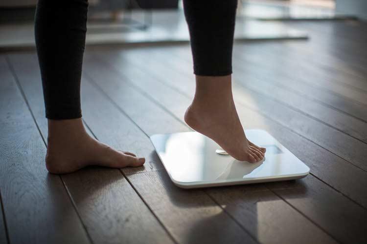 """Photo of 5 načina na koje se menstruacija može """"zezati"""" s vašim kilogramima"""
