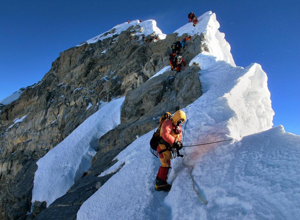 Photo of Nepalska alpinistica se popela na Everest čak sedam puta