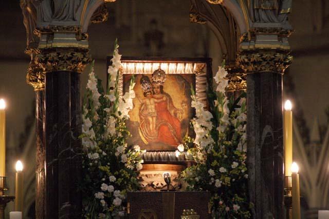 Photo of 31. svibnja: Majka Božja od Kamenitih vrata