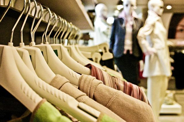 Photo of Zašto ne bismo trebali kupovati odjeću poznatih svjetskih marki?