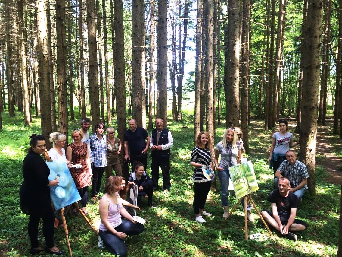 Photo of FOTO Likovna kolonija naturaART okupila umjetnike kod Baraćevih špilja