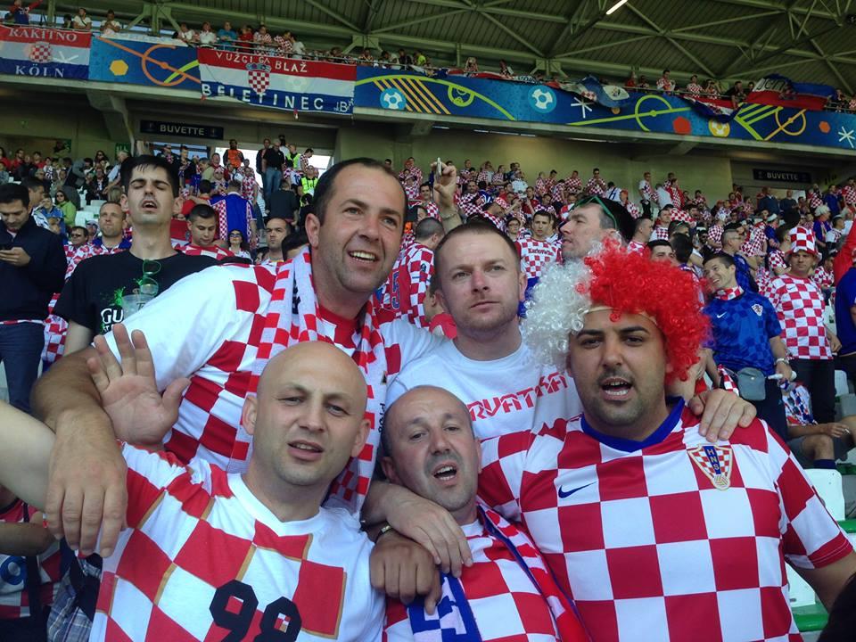 Photo of FOTO Navijači iz Otočca na utakmici Hrvatske i Češke u St. Etiennu!