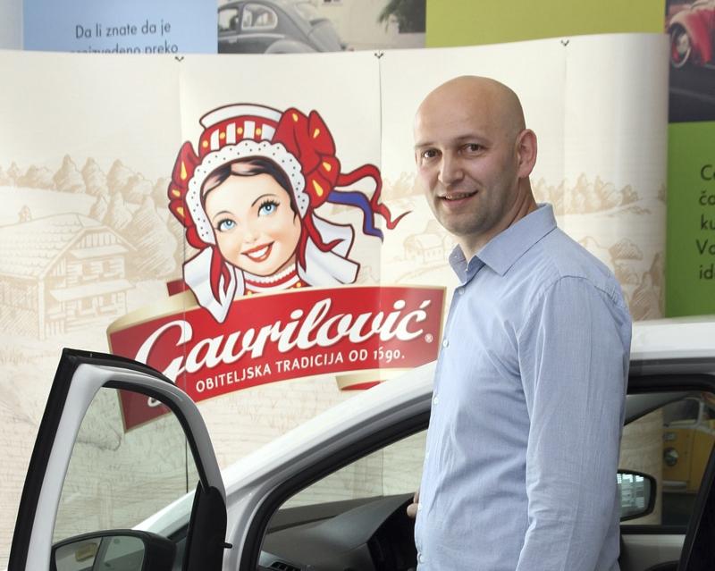 Photo of Damir Matasić iz Otočca osvojio auto na nagradnoj igri