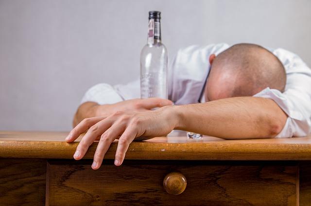 Photo of Koje piće izaziva najgori mamurluk?
