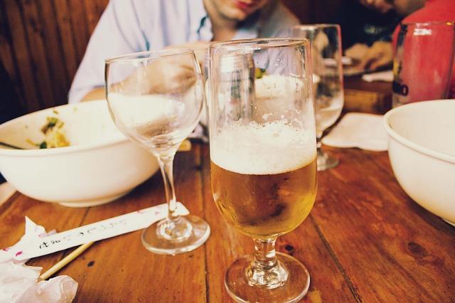 Photo of Vodič za navijače u Francuskoj: Kako platiti rundu piva i ne bankrotirati?