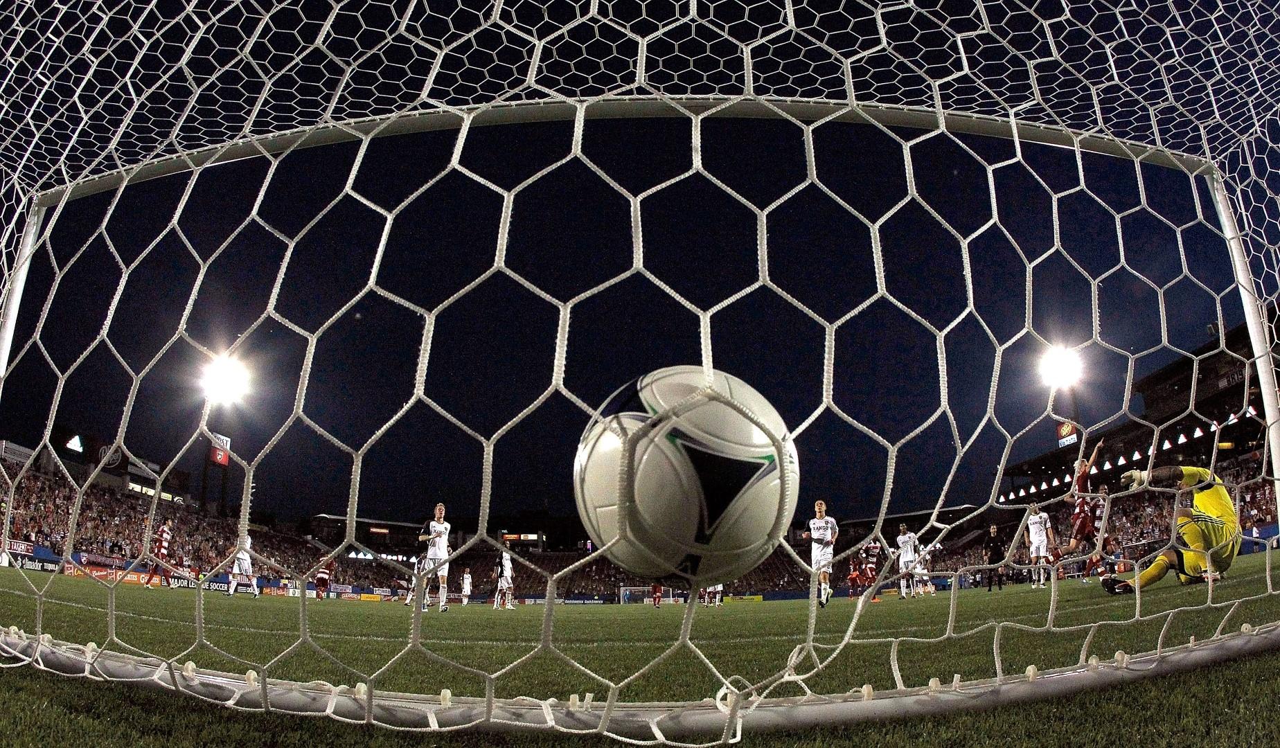 Photo of Nogomet: Prvenstva se osvajaju velikim novcem, a ne trudom