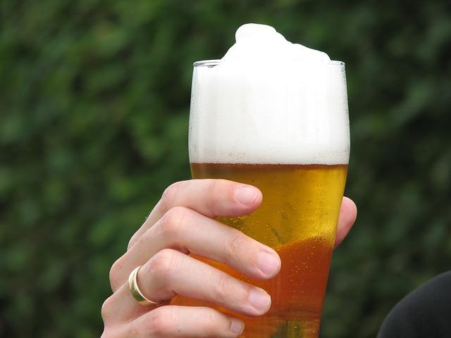 Photo of 7 razloga zašto bi žene trebale piti pivo