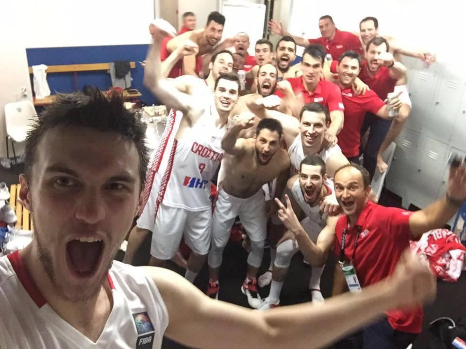 """Photo of Bandić čestitao košarkašima: """"Vraćate hrvatsku reprezentaciju temo gdje joj je mjesto!"""""""