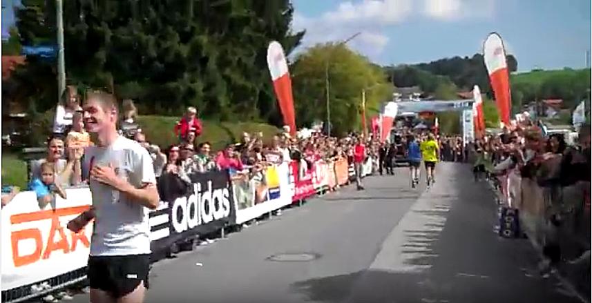 Photo of Svjetski prvak u trčanju unazad: Naučio sam 'gledati' ušima