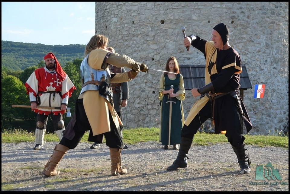 Photo of FOTOGALERIJA Vitezovi su pobijedili Osmanlije nad Plitvičkim dolinama