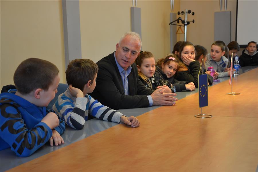Photo of HZŽ: Županije prosječno ulažu 36% u obrazovanje, a u Lici se pokreće L.E.O.