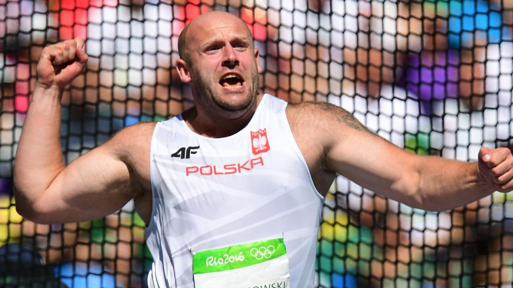 Photo of Poljski heroj: prodao srebro iz Rija kako bi pomogao dječaku