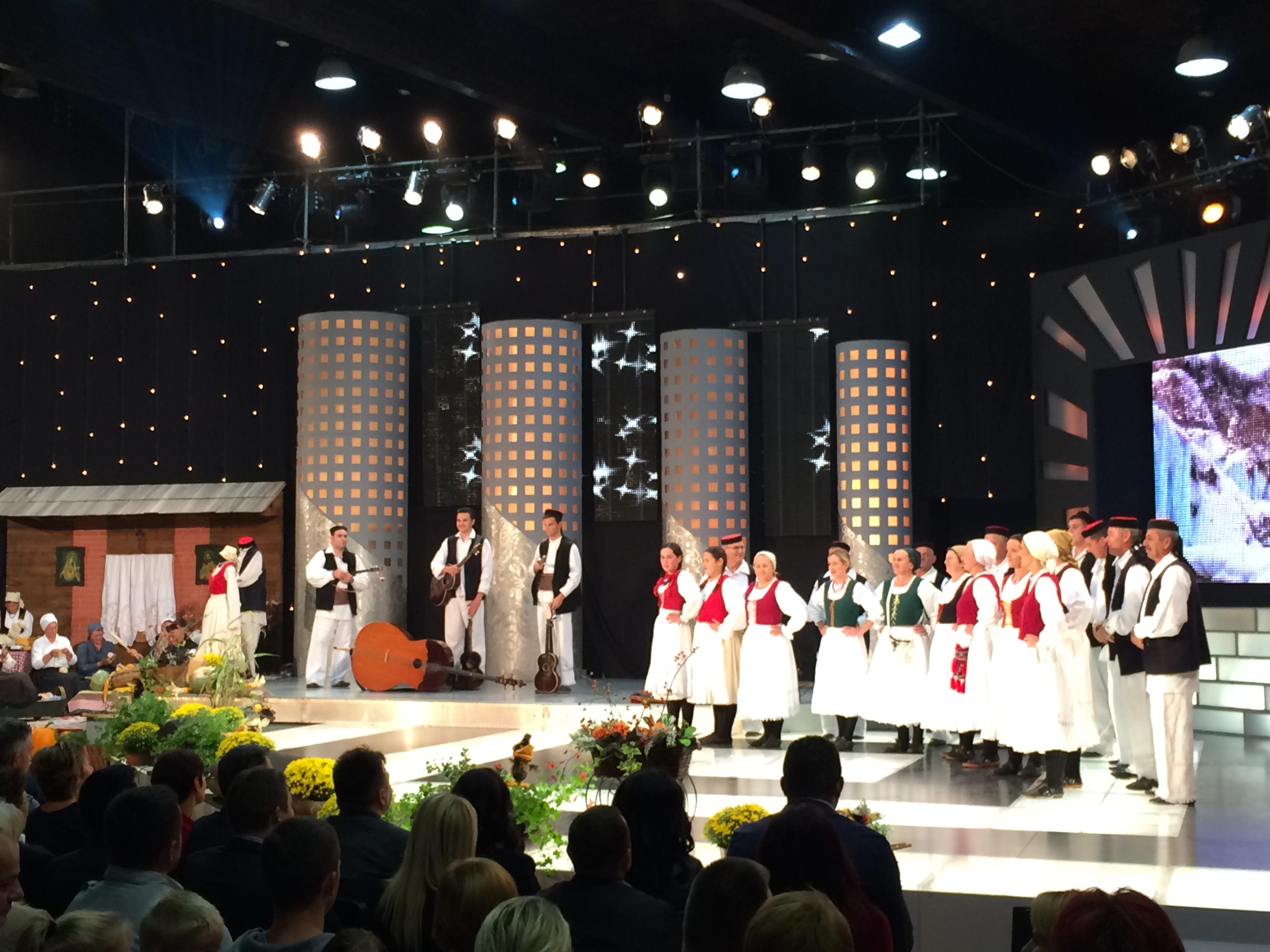 Photo of FOTO Na Plitvicama snimljena emisija Lijepom našom: I Rakovica predstavila baštinu!