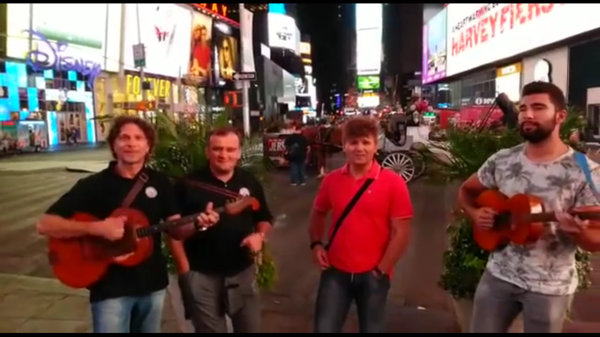 Photo of VIDEO: Bosutski bećari zasvirali na Times Squareu u New Yorku