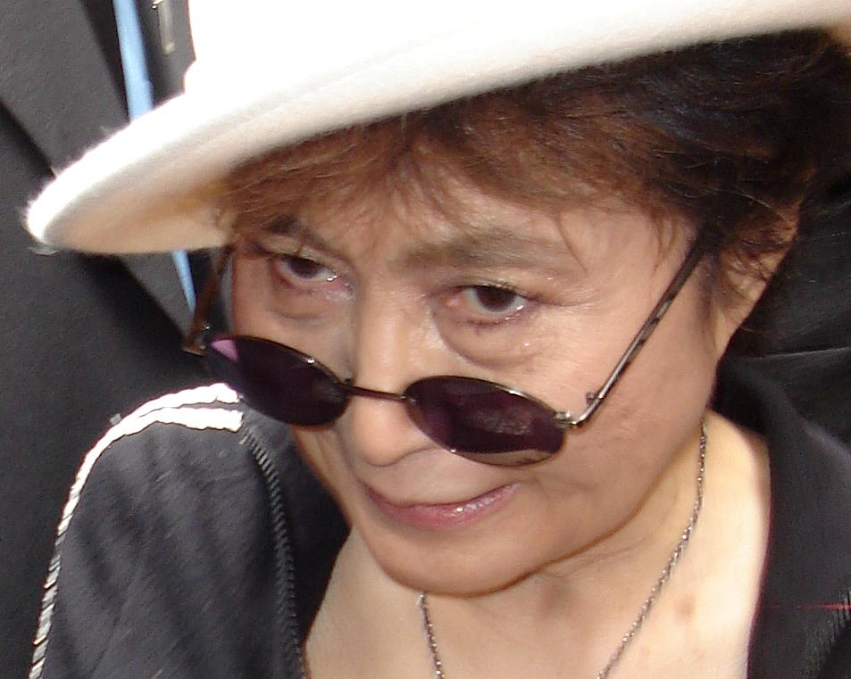 Photo of Yoko Ono objavila poziv svim ženama svijeta