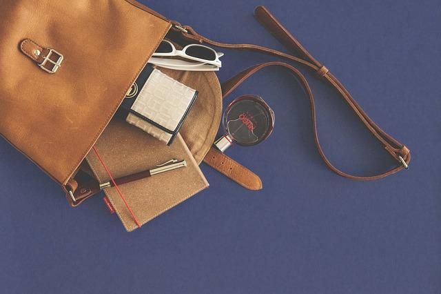 Photo of Predmeti koje nikako ne bi trebali nositi u torbi