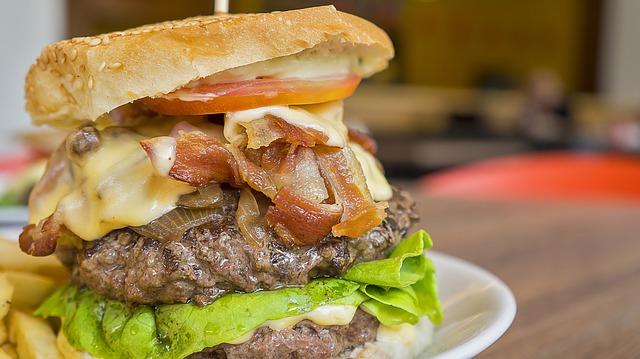 Photo of Tajne fast food restorana: Znate li što zapravo jedete?