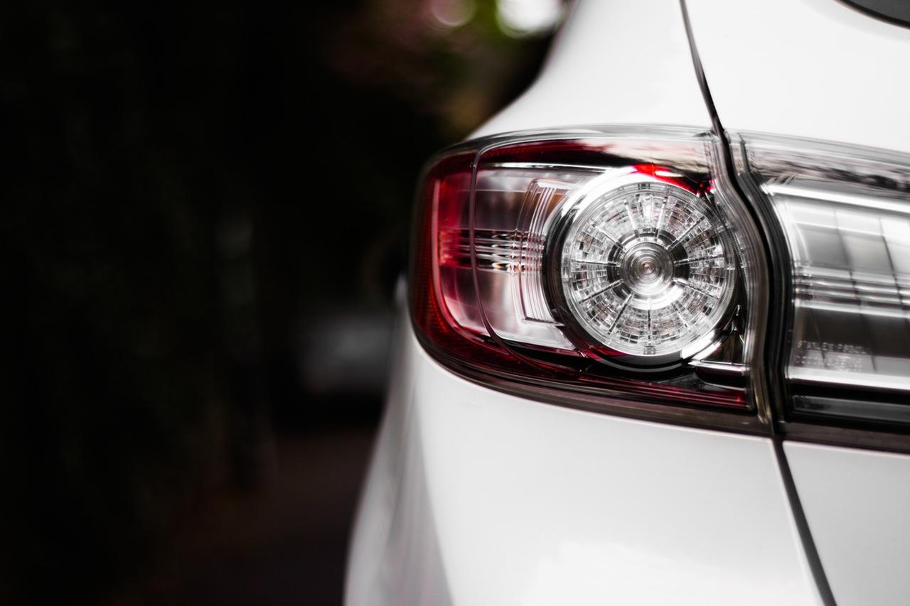 Photo of Započinje zimsko računanje vremena, vozači ne zaboravite paliti svjetla na automobilima