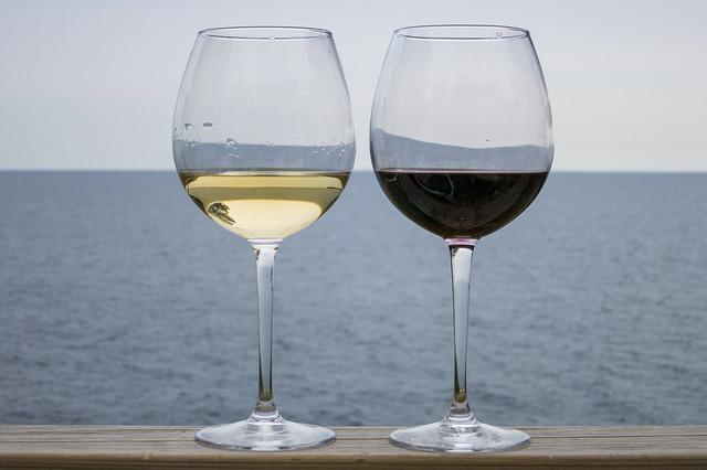 Photo of Genijalan trik pomoću kojeg ćete ohladiti vino u samo 7 minuta