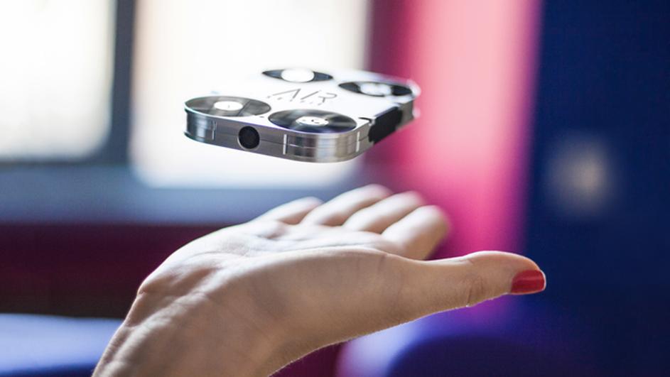 Photo of Selfie štapove uskoro će zamijeniti jedan novi izum
