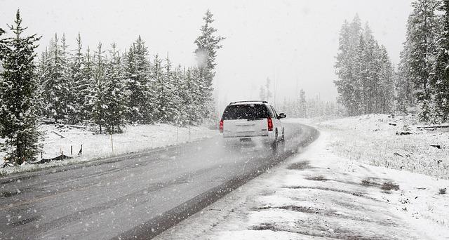 Photo of Vozači, oprez! Od 15. studenog obavezna je zimska oprema