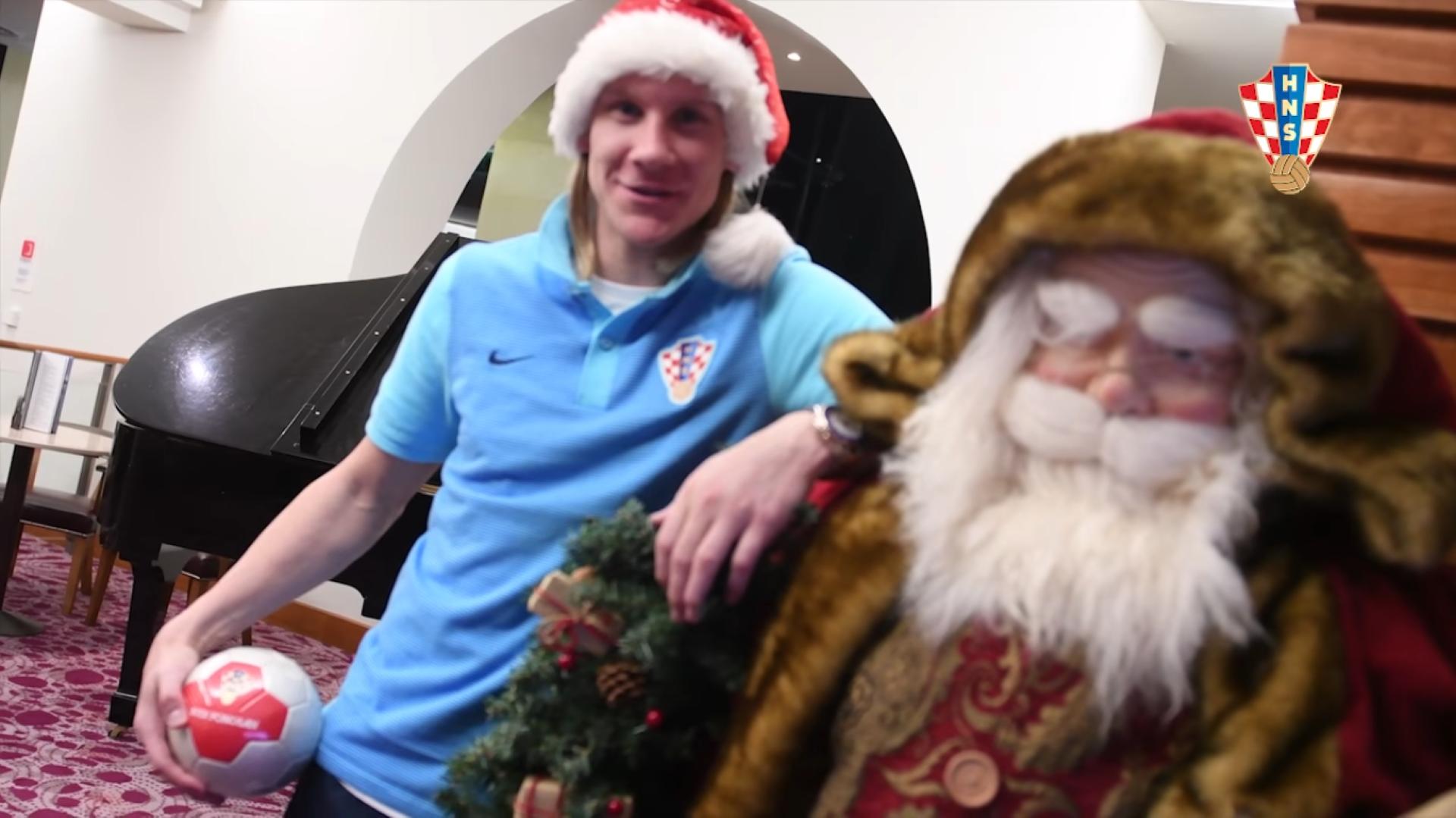 Photo of Pogledajte kako su hrvatski reprezentativci navijačima poželjeli Sretan Božić