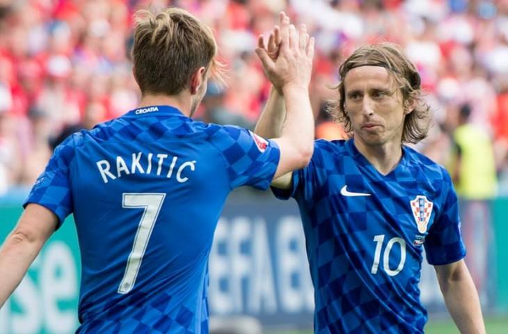 Photo of Luka Modrić u najboljoj momčadi svijeta!