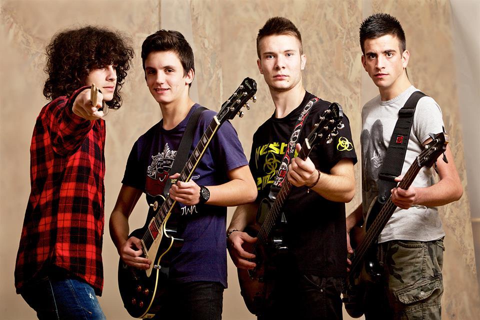"""Photo of """"Bajka"""" je novi singl mladog rock benda """"Nešto između"""""""