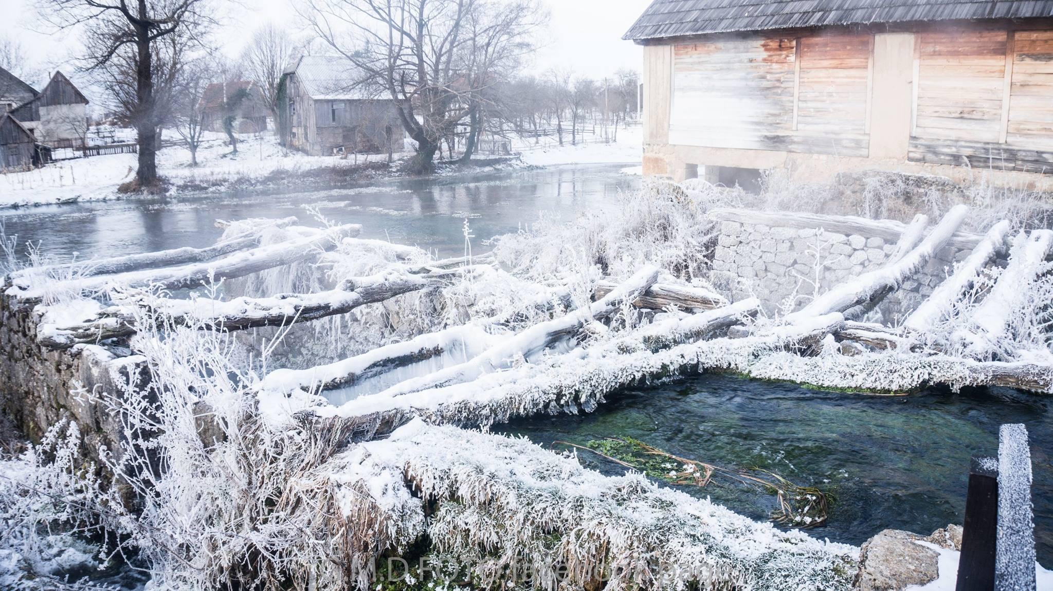 Photo of FOTO Smrznuto Majerovo vrilo snimio fotograf Pavelić iz Otočca