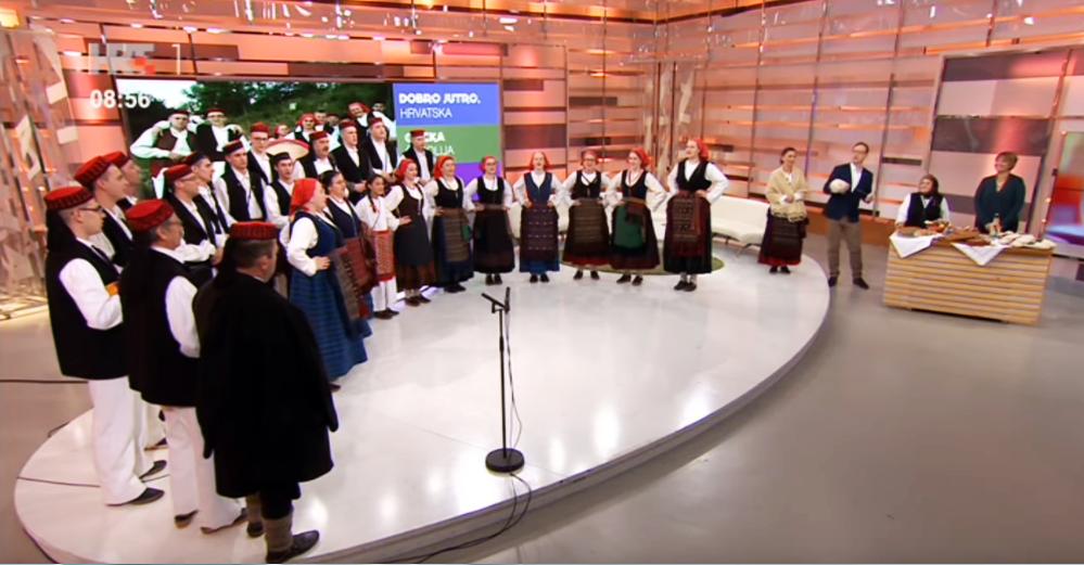 Photo of VIDEO Folklorno društvo iz Otočca oduševilo u emisiji Dobro jutro, Hrvatska