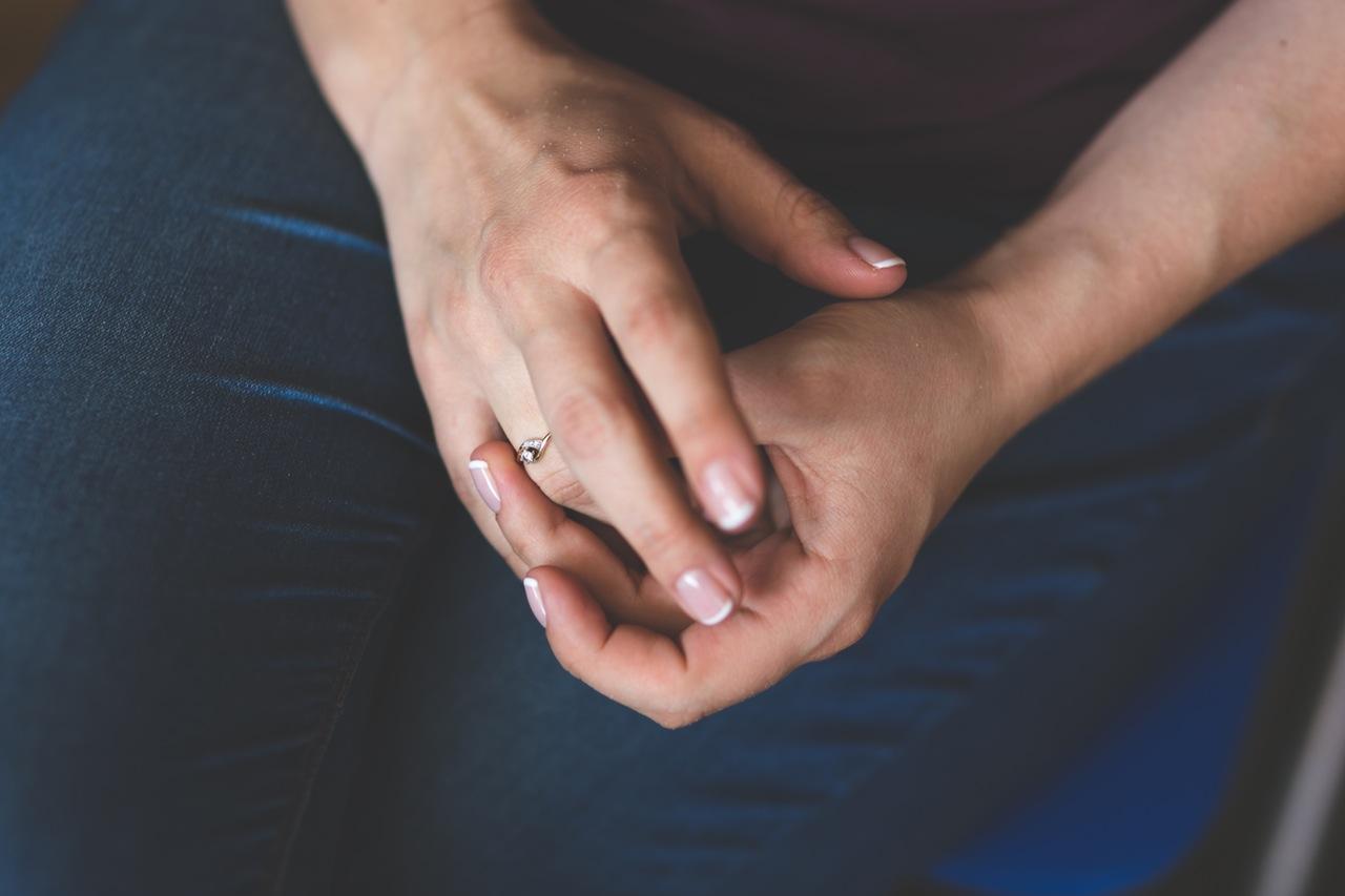 """Photo of Je li """"lomljenje prstiju"""" štetno za zdravlje?"""