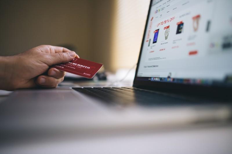 Photo of Hrvati najčešće online kupuju kod kuće, koristeći stolno računalo a najvažnija im je dobra cijena