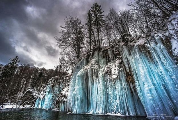 Photo of Mađarski fotograf oduševio internet fotografijama Plitvičkih jezera okovanih ledom
